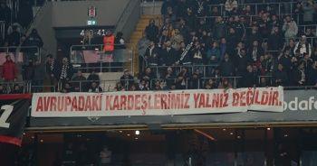 Beşiktaşlı taraftarlardan Avrupa'daki vatandaşlara destek