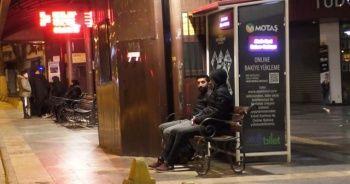 Deprem sonrası vatandaşlar geceyi sokakta geçirdi