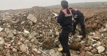 Depremde hayatını kaybeden Muhammed'in enkazdan kimliği çıktı, babaya teslim edildi
