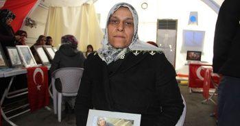 HDP önünde eylem yapan ailelerden biri daha evladına kavuştu!