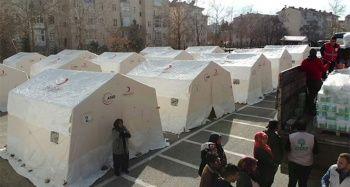 İDDEF, Elazığ'daki depremzedeleri yalnız bırakmadı