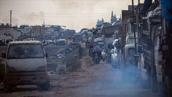 İdlib'den son 4 günde 90 bin sivil Türkiye sınırı yakınlarına göç etti