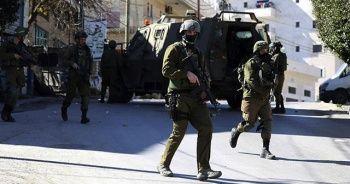 İsrail askerlerinden Batı Şeria'daki sözde barış planı protestosuna müdahale