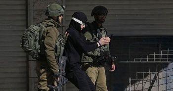 İsrail'in gözaltına aldığı Filistinli çocuk: Ellerim bağlandı, darp edildim
