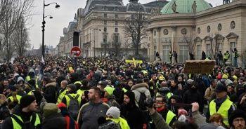 Sarı yeleklilerin gösterileri devam ediyor