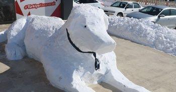 Sivaslının kardan adamı böyle olur