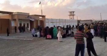 Yüzlerce Pakistanlı, İran sınırında mahsur kaldı