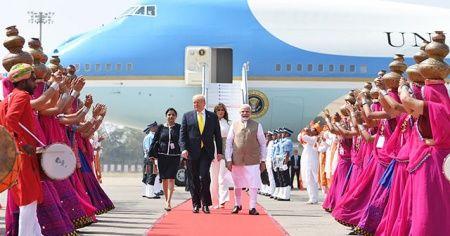 ABD Başkanı Trump, ilk resmi ziyareti için Hindistan'da
