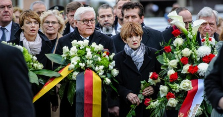 """Almanya Cumhurbaşkanı Steinmeier: """"Nefrete karşı en güçlü çare, birlik ve beraber olmaktır"""""""