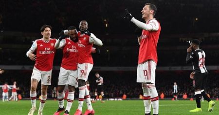 Arsenal, Newcastle United'ı 4-0 yendi