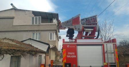 Bursa'da lodos evin duvarlarını yıktı