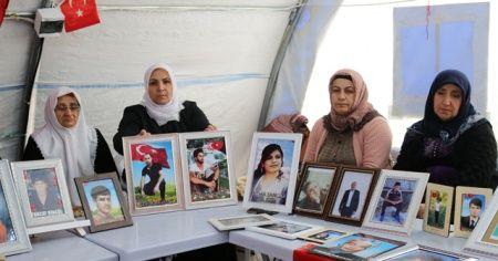 Çocuklar teslim oldukça HDP önündeki ailelerin umudu artıyor