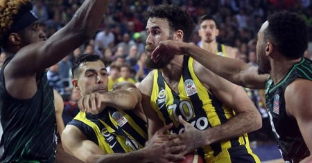 Darüşşafaka'dan kupa finalinin son dakikasındaki faul pozisyonuna ilişkin açıklama