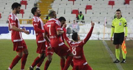 DG Sivasspor evinde Aytemiz Alanyaspor'u tek golle geçti