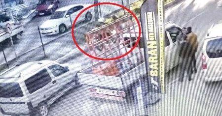 Ekmek almaya giden kadına motosiklet çarptı