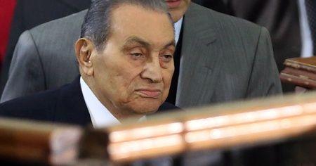 Eski Mısır Cumhurbaşkanı Hüsnü Mübarek hayatını kaybetti