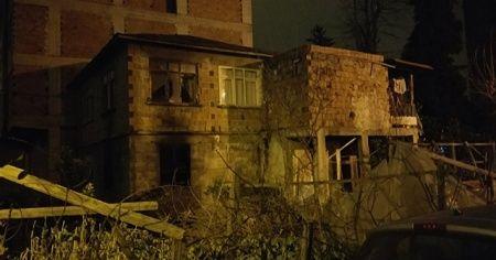 Evinin yandığını gören kişi kalp krizi geçirerek öldü