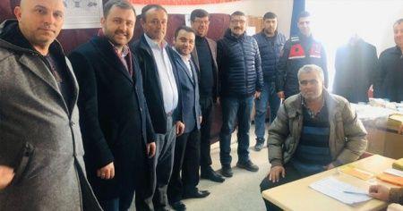 Ezine'de yapılan referandum sonucunda 1 köy mahalle oldu