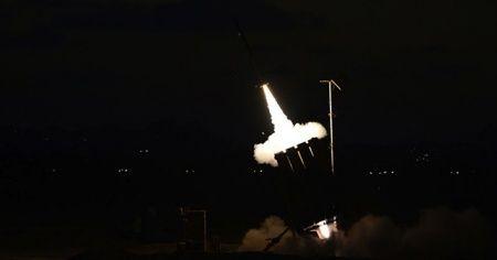 Gazze'den İsrail tarafına 20 roket atıldı