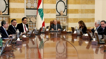 Lübnan'dan Kovid-19 salgını görülen ülkelerle uçuşları kısıtlama kararı