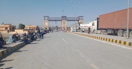 Pakistan, koronavirüsü nedeniyle İran sınırını kapattı