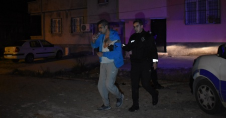 Polis aracına çarpan sürücü yakalanınca 'kusura bakmayın' dedi