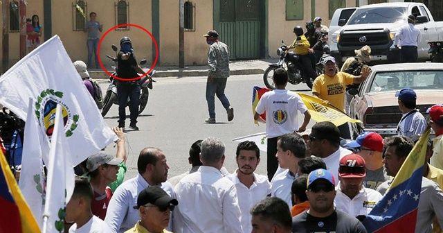 Guaido ve destekçilerine silah doğrultuldu