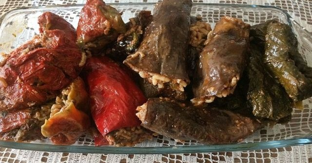 Karışık kuru dolma tarifi ekşili sumaklı, Ekşili tam tadında nefis bir lezzet olan sumaklı karışık kuru dolma tarifi