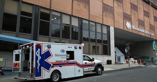 New York'ta Kovid-19 nedeniyle hastaneye kaldırılanların sayısı, bir günde yüzde 40 arttı