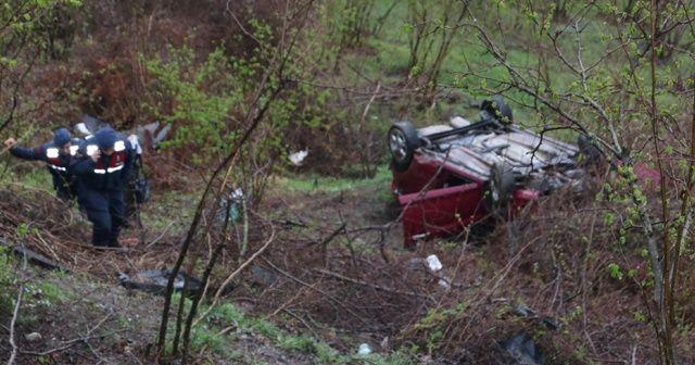 Otomobille 50 metreden uçtular: 2 yaralı