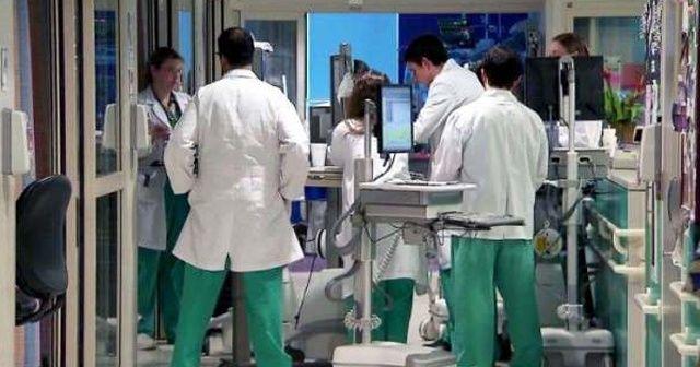 Sağlık sistemi çöken ABD yurt dışından doktor arıyor