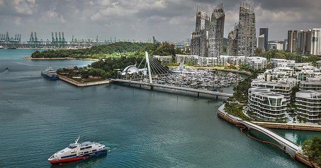 Singapur'da sosyal mesafeyi korumayanlara para ve hapis cezası