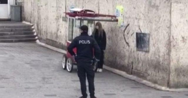 Taksim'de karantinadan kaçan bir kadın yakalandı