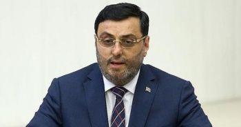 AK Partili Bayram, 3 aylık maaşını bağışladı