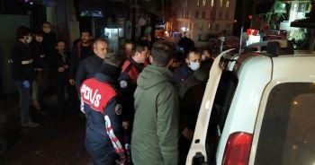 Beyoğlu'nda yasağa uymayan iki derneğe baskın: 20 gözaltı
