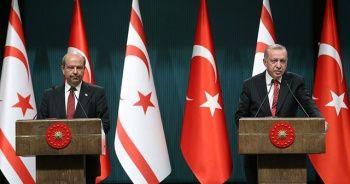 Cumhurbaşkanı Erdoğan, KKTC Başbakanı Ersin Tatar ile koronavirüs önlemlerini görüştü