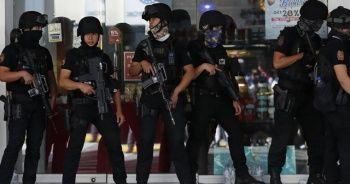 Filipinler'de alışveriş merkezinde 30 kişi rehin alındı