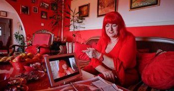Gelinliğinden mezar taşına Bosna'nın 'kırmızılı kadını'