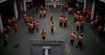 Kolombiya'da bazı hapishanelerde mahkumlar isyan başlattı