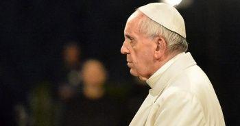 Papa ile aynı konutta kalan rahipte korona virüs tespit edildi