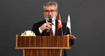 Prof. Dr. Büyükaslan: 'Sanal alemin sanal uzmanlarından uzak durun'