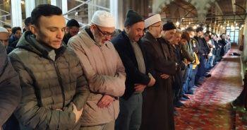 Sultanahmet Camii'nde 'İdlib şehitleri' için gıyabi cenaze namazı kılındı