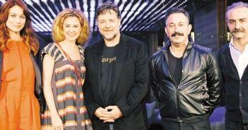 Ünlü oyuncu Olga Kurylenko'nun koronavirüs testi pozitif çıktı