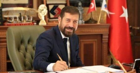 Belediye başkanı maaşını koronavirüsten işsiz kalanlara bağışladı