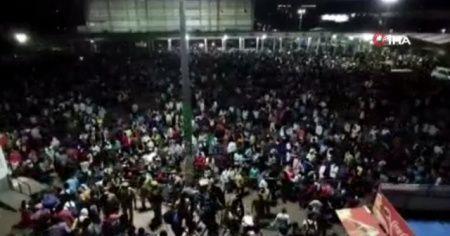 Binlerce işçi, otobüs terminalinde bekletildi