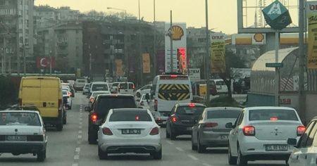 Bu fotoğraflar Bursa'da çekildi! Güneşi gören aracıyla sokağa çıktı