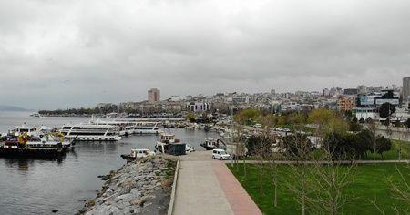 Koronavirüs nedeniyle boş kalan Caddebostan Sahili havadan görüntülendi
