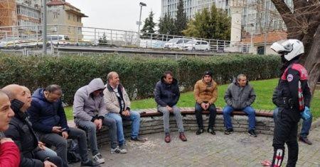 Sosyal mesafeyi korumayan ve parkta toplu halde alkol alanlara ceza