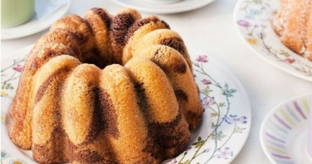 Sütsüz kek tarifi, Sütsüz nefis ıslak kek tarifi, Sütsüz kek nasıl yapılır