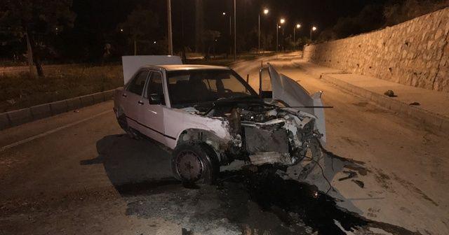 Alkollü sürücü, düz yolda kaza yaptı